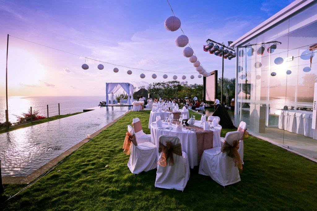 Planlegge bryllup utendørs