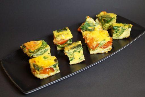 """""""Frittata"""" - mini omelett med tomat og spinat"""