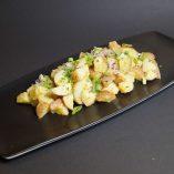 Fransk potetsalat, olivenolje, sennep og rødløk