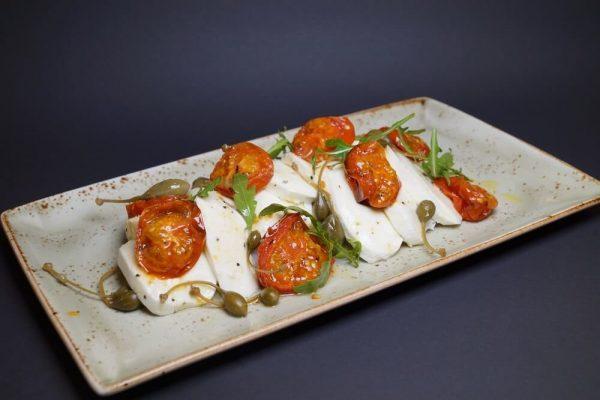 Mozzarella med bakte tomater